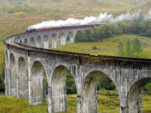 Glenfinnan-Viaduct_